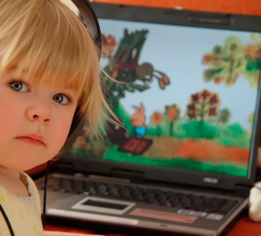Недоношенным детям не желательно много времени проводить у экранов, данные исследования американских ученых