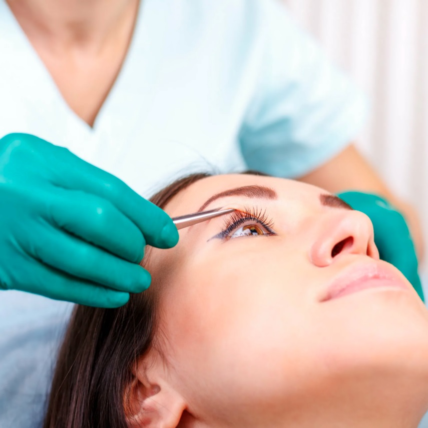 Эндоскопическая подтяжка лица (фейслифтинг) лица, описание, показания и противопоказания к операции